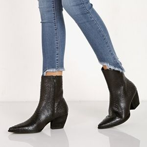 Matisse Caty size 8 boots